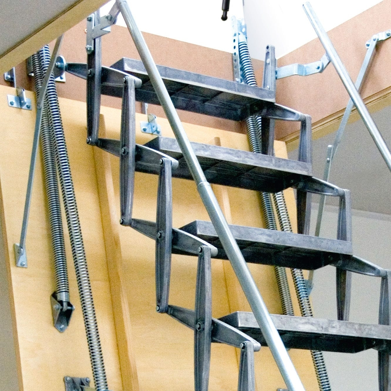 How To Install An Attic Ladder Diy At Bunnings You