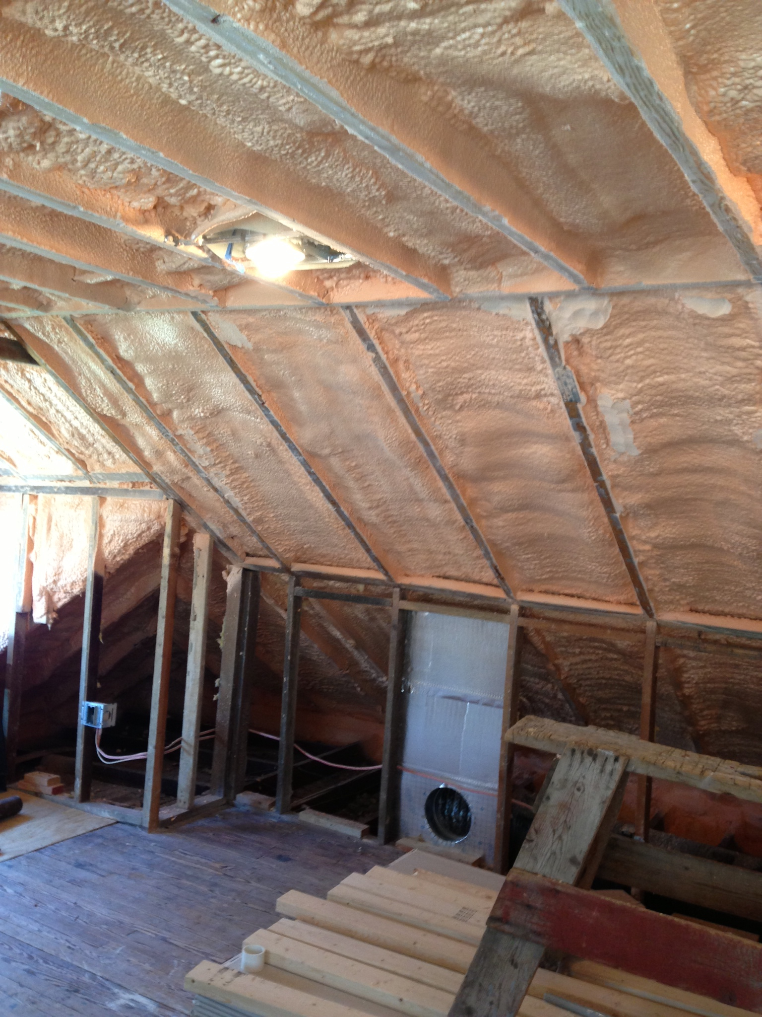 Solving Comfort Problems Caused Attic Kneewalls in measurements 1536 X 2048